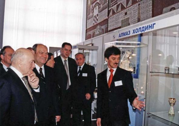 Мэр Москвы Лужков Ю.М. на выставке в г. Кострома